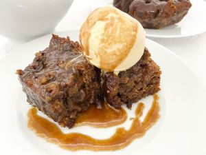 Receta Sticky toffe pudding cake with toffe sauce